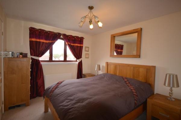 907_Bedroom 1.jpg