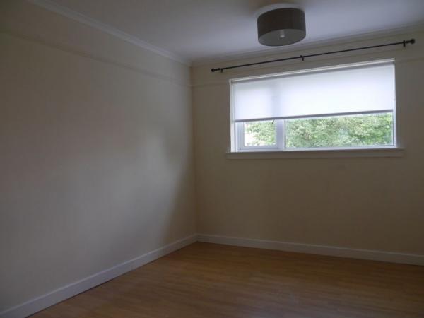 855_Bedroom b.jpg