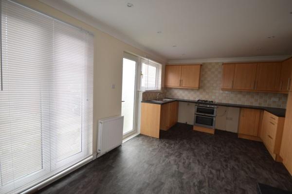 864_Dining kitchen 2.jpg
