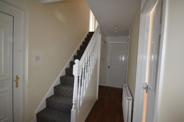864_Hallway.jpg