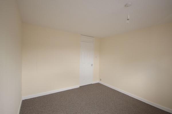 864_Bedroom 3.jpg