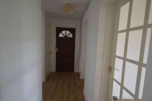 867_Hallway.jpg
