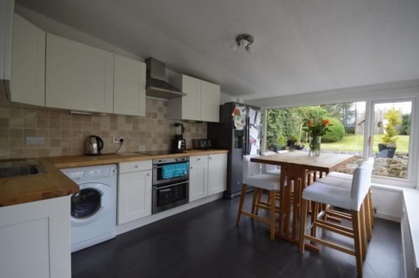 872_Kitchen 2.jpg