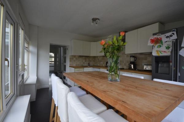 872_Kitchen 1.jpg