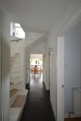 872_Hallway 2.jpg