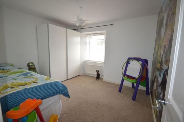 872_Bedroom 2a.jpg