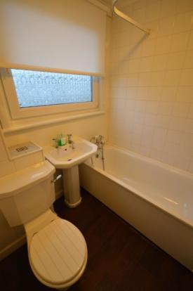 876_bathroom.jpg