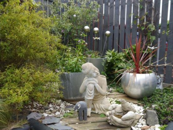 879_Garden 3.jpg