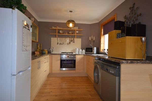 879_Kitchen 1.jpg