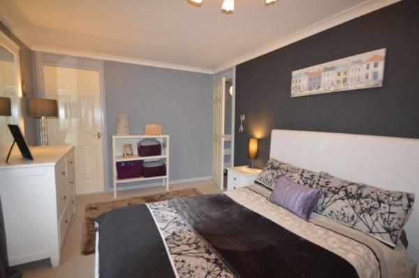 879_Bedroom 1.jpg