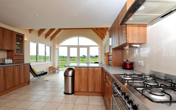 882_Kitchen 4.jpg