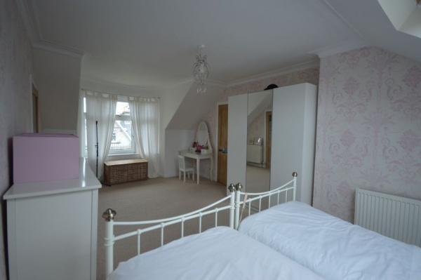 901_Bedroom 2b.jpg