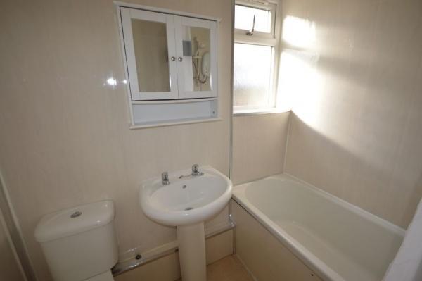 913_bathroom.jpg