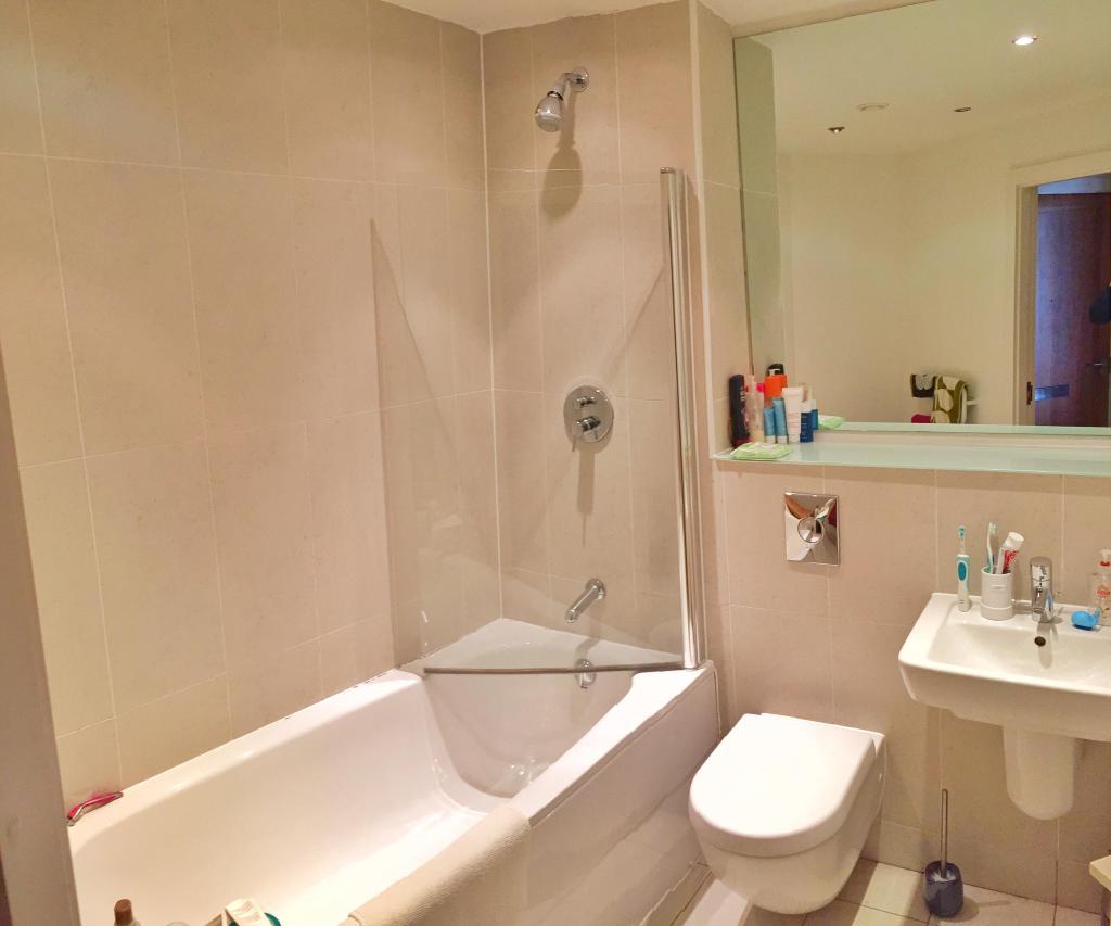 1 Bedroom Flat To Rent In Waterside Apartments Leeds Ls12