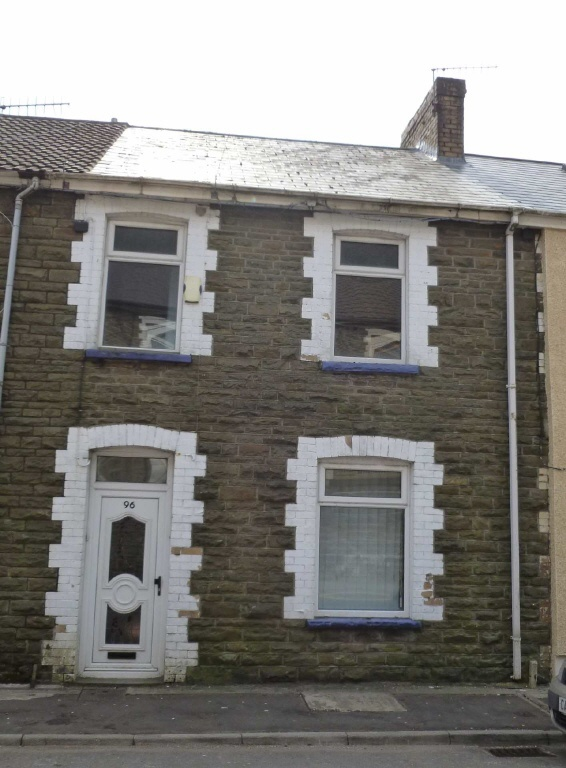 3 bedroom terraced house to rent in jersey road