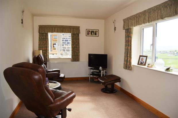 Annex lounge