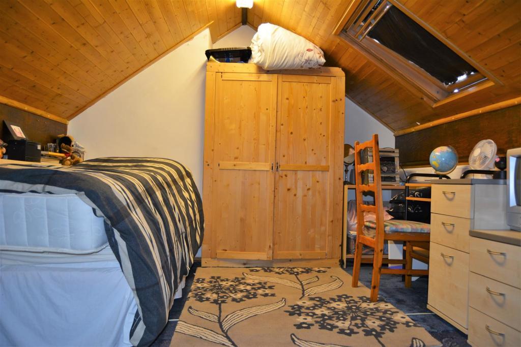 Bedroom 4 (Attic).