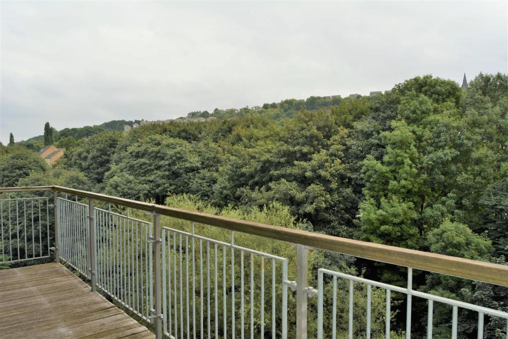 Views (2).JPG