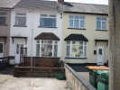 3 bedroom semi detached house to rent in Blake Road, Newport
