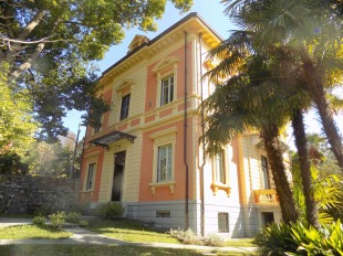 5 bed Villa for sale in Piedmont...