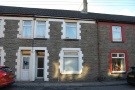 Terraced home to rent in Commercial Street...