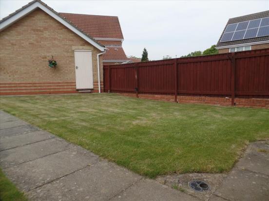 EXTERNAL front garden photo