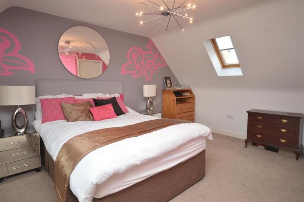 Top Floor Master Bed