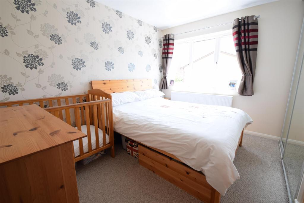 AA main bedroom.JPG
