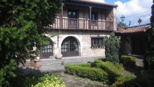 7 bed semi detached property for sale in Cabezón de la Sal...