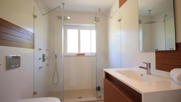 En-suite to 3rd bedroom