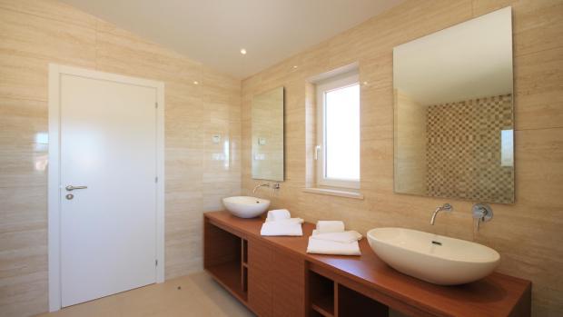 Master bathroom - twin sinks