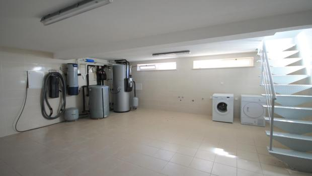 Utility room/ Laundry