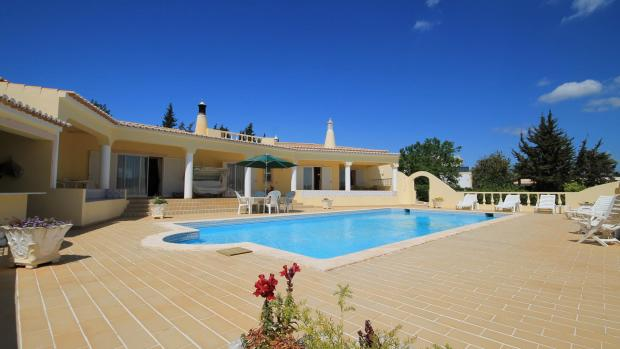Large terrace for sunbathing