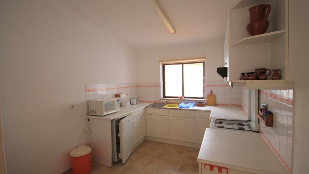 kitchen apartment 4