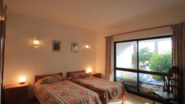 en-suite bedroom apartment 4
