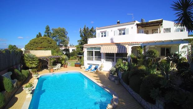 house, pool & poolside bar
