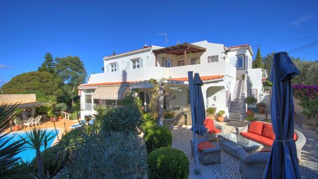 external steps to master bedroom terrace