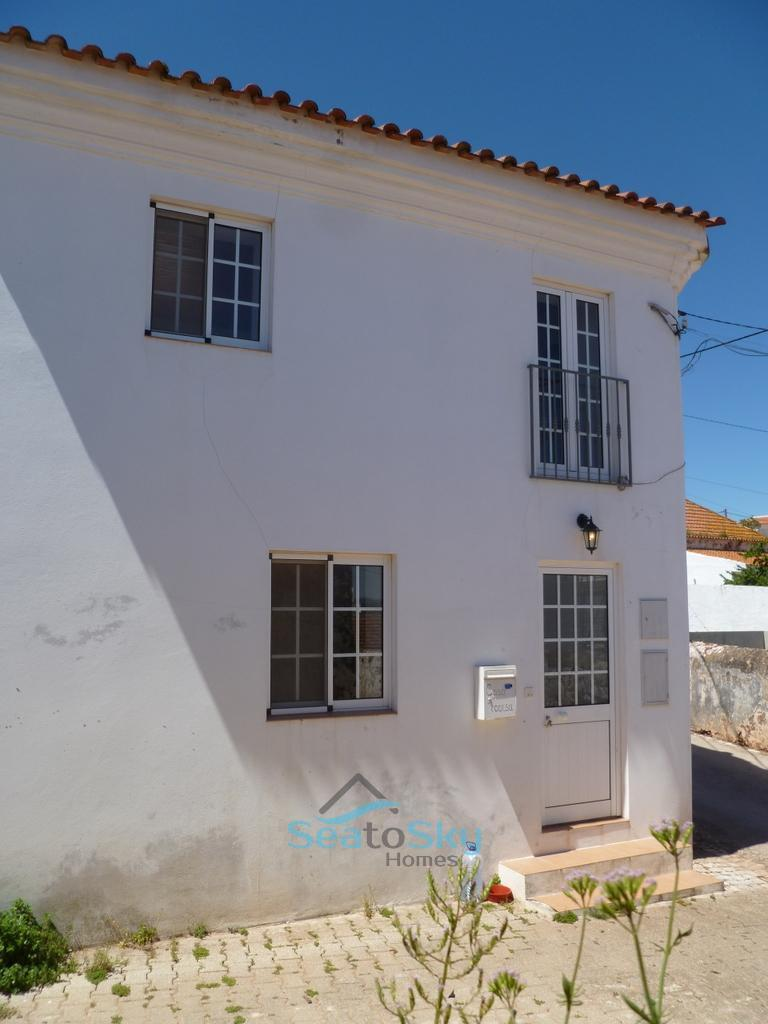 3 bedroom Town House for sale in Algarve...