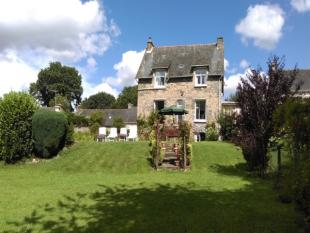 4 bed property for sale in Lac De Guerledan...