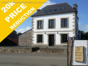 8 bed house for sale in Finistere, Bretagne...