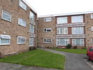 Flat in Little Elms, Harlington...