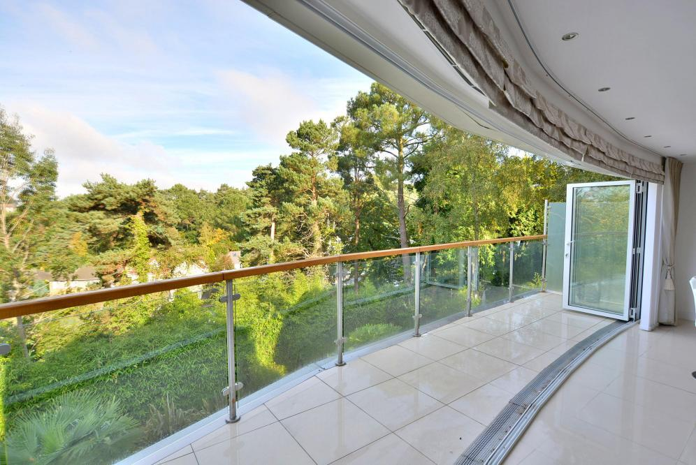 Kitchen/dining area terrace