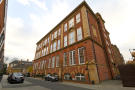 2 bed Flat in Drummond Way, Islington