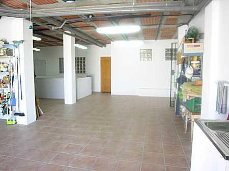 V. large garage