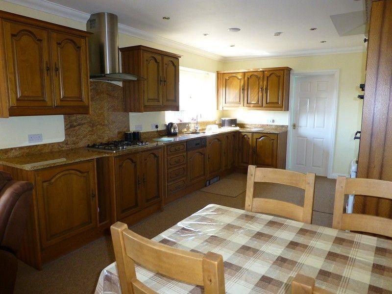 Kitchen, Diner & Living Area