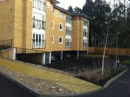 Apartment to rent in Grangewood Court Gidea...