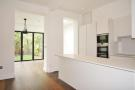 4 bedroom Flat to rent in Goldhurst Terrace...