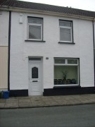 3 bed Terraced house in Caerhendy Street...