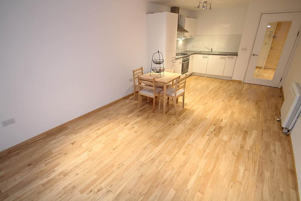 Very Large Open-Plan Kitchen & Lounge
