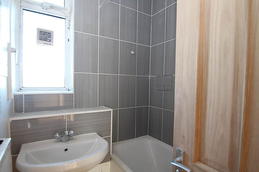 Modern Tiled Bathroom